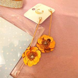 Hanging flower earrings BNWT